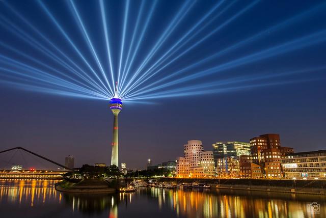 Rheinturm Düsseldorf - NRW70