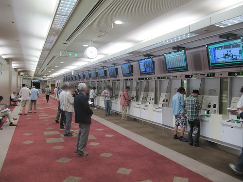 京都競馬場6階馬券売場