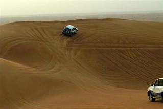 Como un parque de atracciones, de arriba hacia abajo, ... salta, corre, ... velocidad ... increíble Dubai, imprescindible safari en 4x4 - 8628570110 6399277505 n - Dubai, imprescindible safari en 4×4