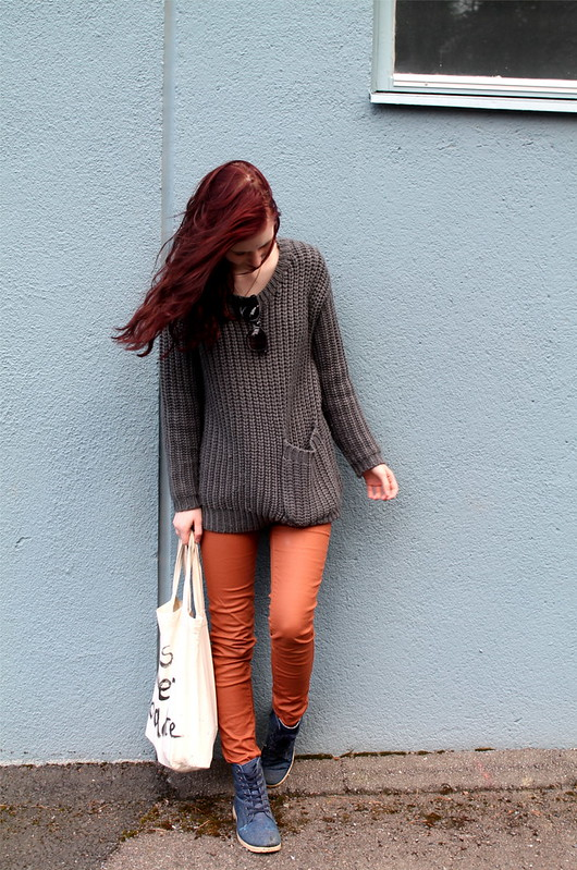 LOVELYWOOLENSWEATER