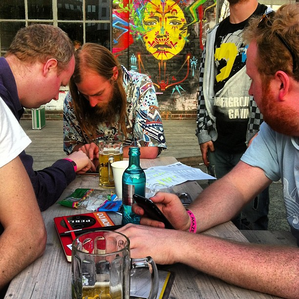 @smestorp and @TerryCavanagh playing a game in the beer garden! Amaze Indie Connect is awesome.