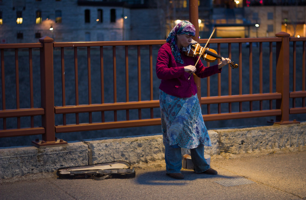 Stone Arch Bridge violinist