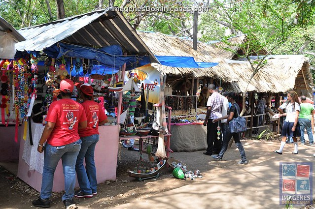 Paseo de los Artesanos en Feria del Libro