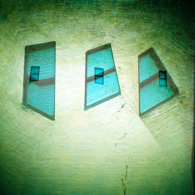 6 windows