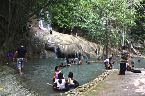 Sai Yok Noi waterfall