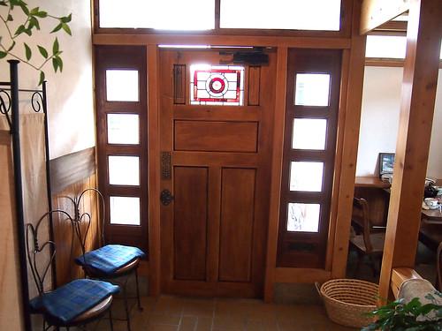 ステンドグラスのドア