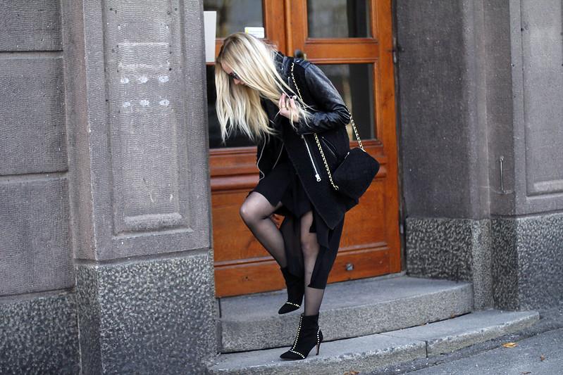 black2.