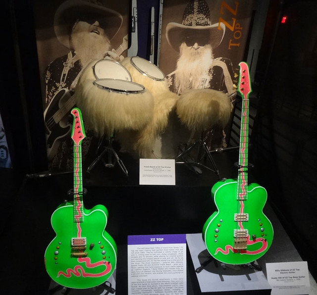 zz-top-drums-neon-guitars
