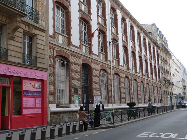 école rue Championnet.jpg