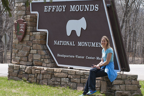 Effigy Mounds Park sign
