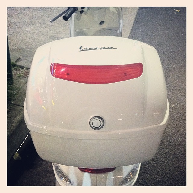 #Piaggio #Vespa LX125 3VにTop Boxを装着!