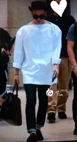 GDragon-IncheonAirport-backfromHongKong_20140806 (6)