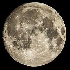 Luna llena. #moon #fullmoon #lunallena #alpha7m2 #24240mm #Madrid
