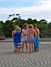 Bella-Sullivan-Barry_Beach-Kids_WINNER-(BEST-IMAGE-COMPOSITION)-web