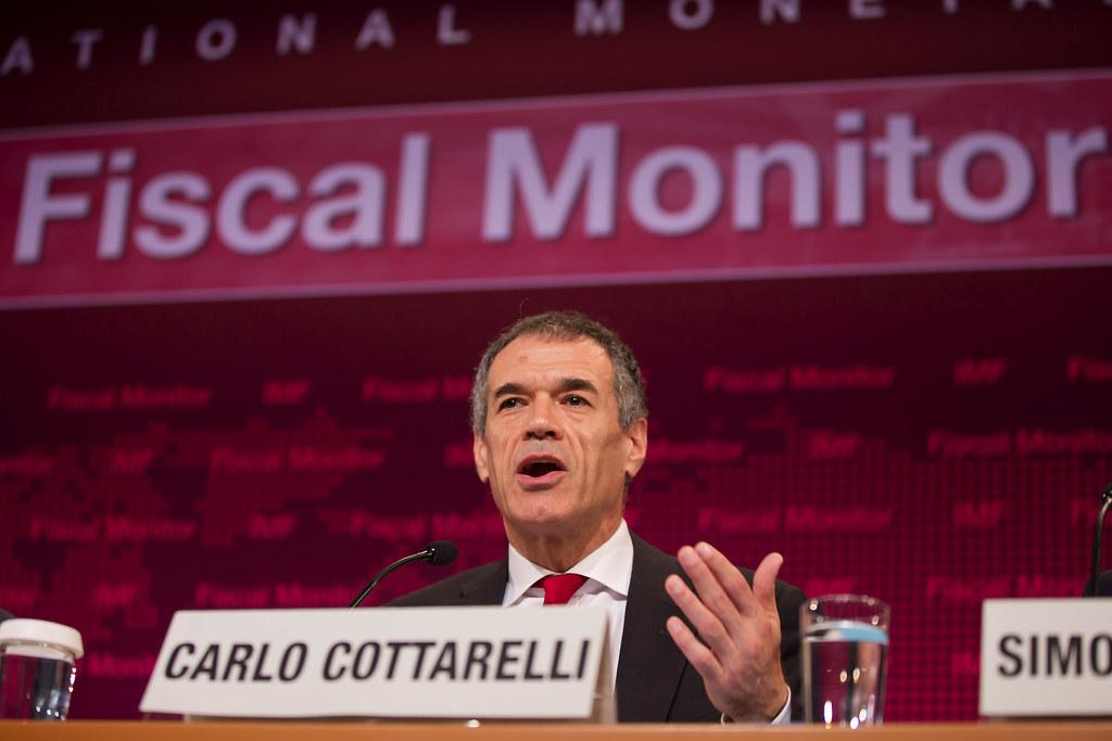 Cottarelli e Cantone firmano le prime lettere di contestazione degli sprechi della P.A.