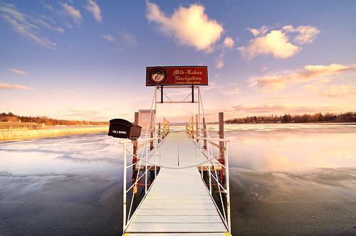 winter lake ny newyork nature landscape dock day upstate cny syracuse centralnewyork fingerlakes cayuga cortland onondaga skaneateles midlakesnavigation pwwinter pwpartlycloudy