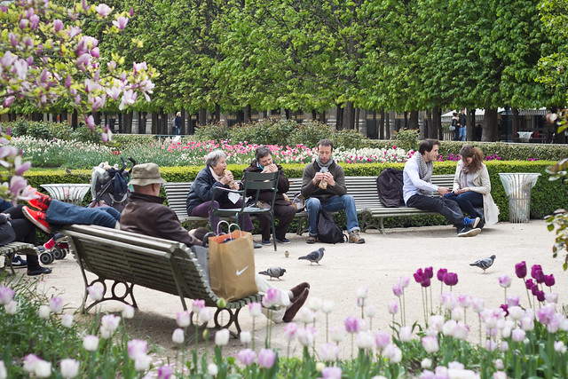 Lunchtime in the Jardin du Palais Royal