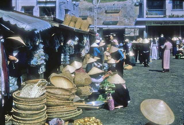 Market, Dalat