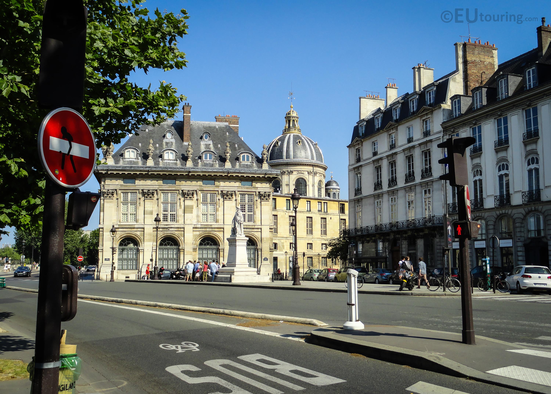 Side facade of the Institut de France