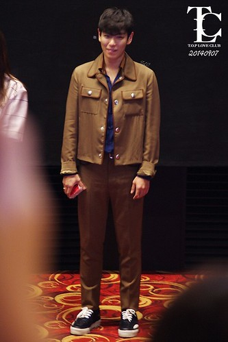 TOP-StageGreeting_Day2-LotteYongsan_20140907-(2)