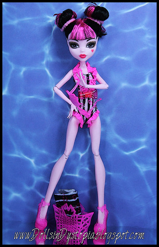 Draculaura Swim by DollsinDystopia