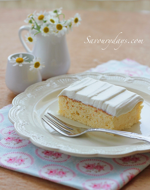Tres leches cake (Ga-tô kem sữa)