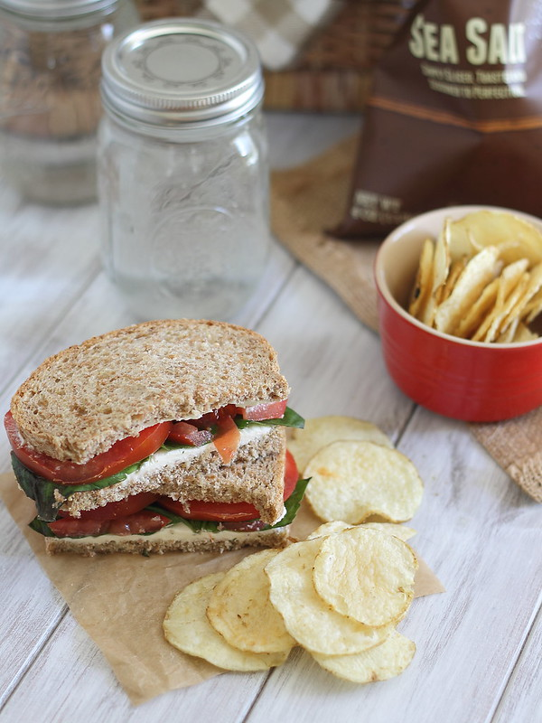 Cream cheese and tomato sandwich