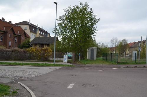 Bahnübergang und Parkplatz