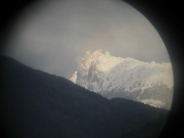 Berg durchs Fernglas