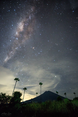 Milky above Mount Agung