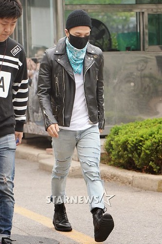 Taeyang BIGBANG KBS Music Bank arrival 2015-05-15 PRESS005