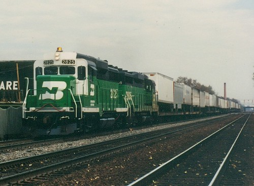 Westbound Burlington Northern freight train.  Hindsdale Illinois.  November 1989. by Eddie from Chicago