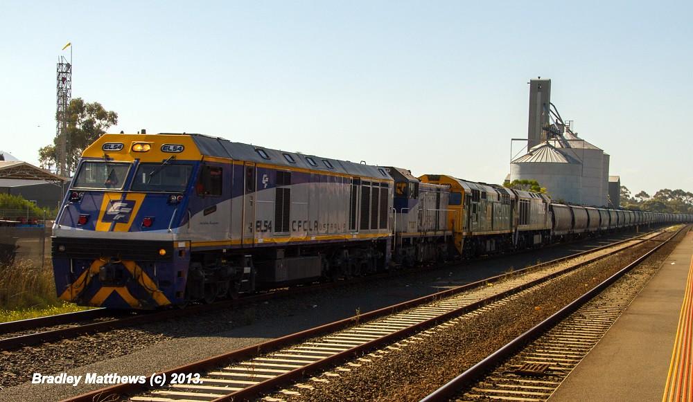 ELZ EL54-T387-8026-EL60 on SG grain from Oaklands (NSW) to Nth Geelong (Vic) at Lara (12/4/2013) by Bradley Matthews