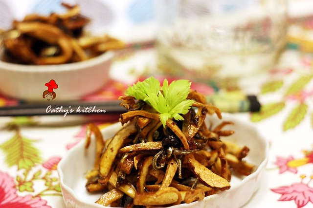 丁香魚豆干 Fried Anchovy with Bean Curd 9