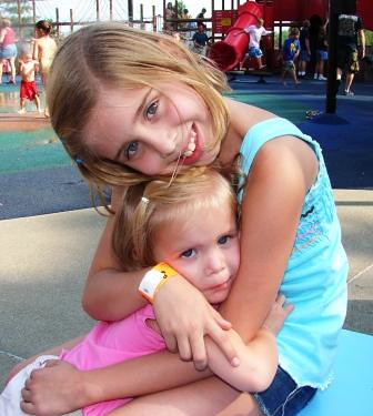 Hannah and Lizzie at Holiday World