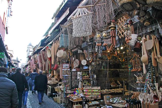 Woodworks shops in Eminonu, Istanbul, Turkey イスタンブール、エミノニュの木工細工屋さん