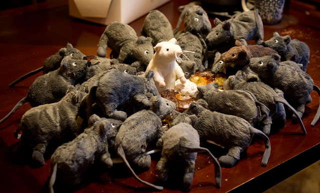 Rat horde vs the stale donut