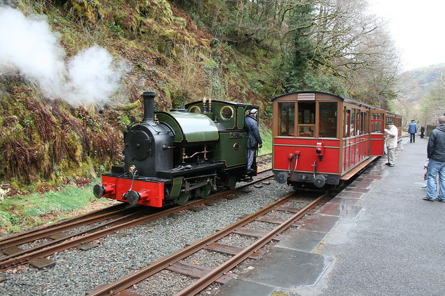 Edward Thomas runs round at Nant Gwernol