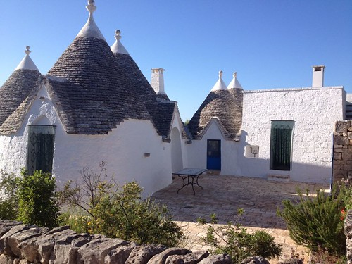 trullo-azzurro-whitewashed