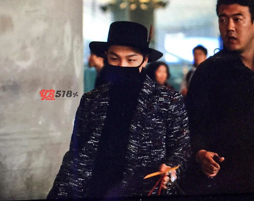 Big Bang - Incheon Airport - 22mar2015 - Tae Yang - YB 518 - 04