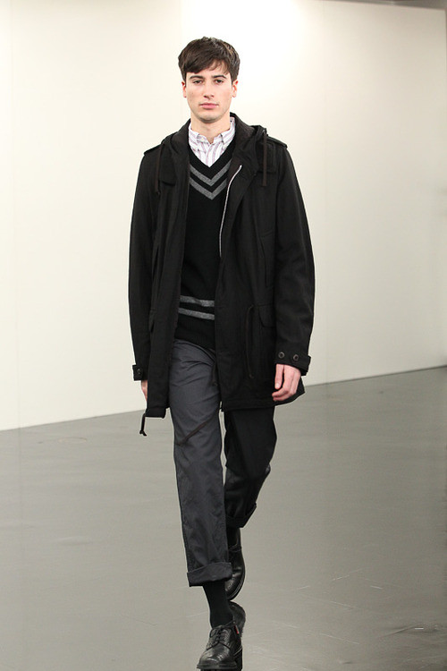 FW13 Tokyo COMME des GARCONS HOMME024_Julien Chanca(Fashionsnap)