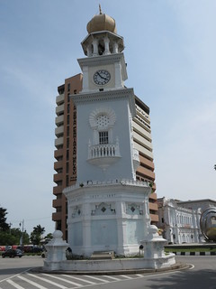 Изображение Queen Victoria Memorial Clock Tower вблизи Джорджтаун.