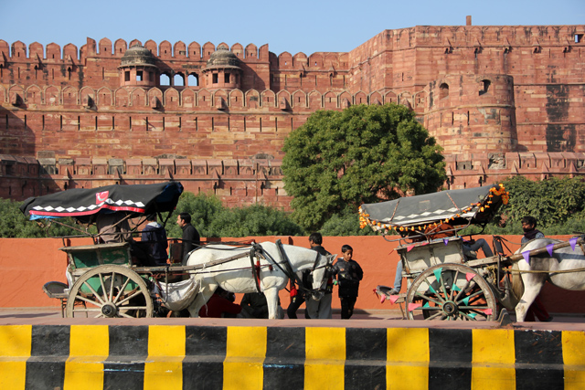 How to get around Agra, India