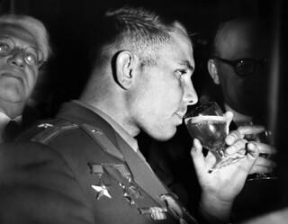 Yuri Gagarin en su visita al Reino Unido (Manchester, 1962)