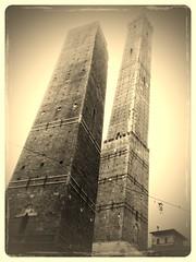 Bologna le due torri