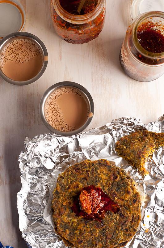 zucchini methi na dhebara | spicy zucchini flatbread | seven spice