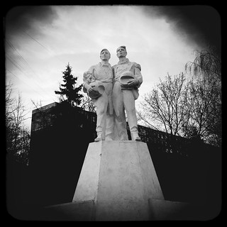 monument to cosmonauts