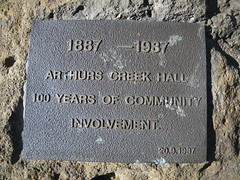 Photo of Arthurs Creek Mechanics' Institute and Free Library brass plaque
