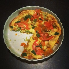 Seeing as @Rosie_19 doesn't answer her texts I had to fend for myself - here's my first attempt at Roast Veggie Frittata #cleaneating #frittata #healthy #healthyisthenewskinny #foodporn #instafood #fail