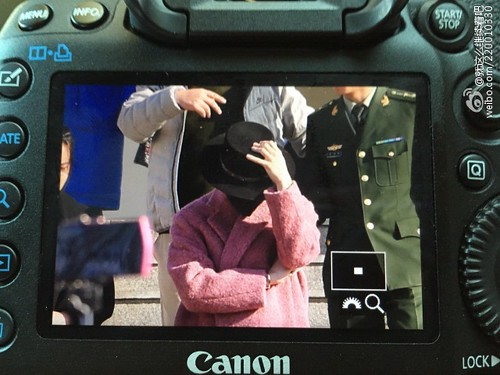 Big Bang - Harbin Airport - 21mar2015 - G-Dragon - 就这么继续着吧 - 02